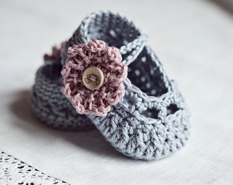 Crochet PATTERN - Old Rose Baby Booties