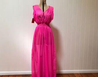 1950's Peignoir Set - Hot Pink Nylon