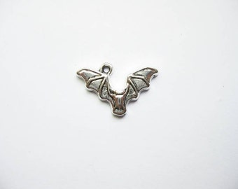10 Bat Charms in Silver Tone - C1821
