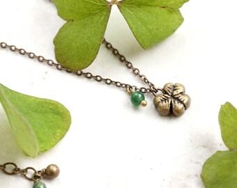 Tiny Clover Necklace, Delicate Gold Shamrock Pendant, St Patricks Day Charm, Irish Clover Jewelry, Spring Botanical Jewellery, Green Jasper