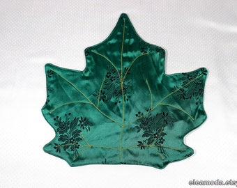 Placemat table, placemat green, placemat round table, tablecloth pad, placemat embroidered, placemat coaster, maple leaf fabric, handmade.