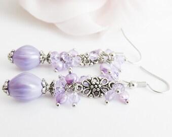 Light purple cluster earrings, purple dangle earrings, lavender jewelry, romantic jewellery, pearl earrings, gift for her, paarse oorbellen