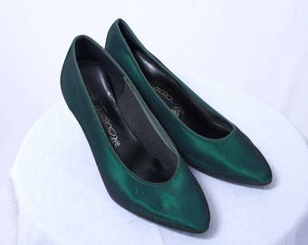 Green Satin Pumps - Emerald City Costume Shoes - Green Satin Heels - Size 6.5 - Coloriffics - Made in USA