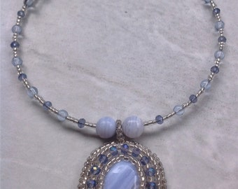 Light Blue Silver Crazy Lace Agate Bead Embroidered Memory Wire Necklace