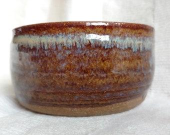 Enameled stoneware bowl