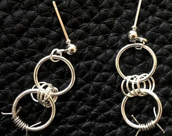 METAL THORNS EARRINGS