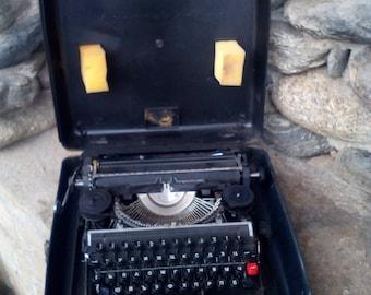 Old Bulgaria typewriter -Retro typewriter - Made in Bulgaria - Vintage typewriter - Plastic box - Working typewriter- Gift idea