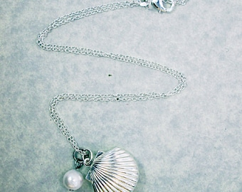 925 Silver Plated SeaShell Locket Pendant Necklace Nautical Jewelry Pearl Clam Shell Keepsake Charm Necklace Beach Wedding Bridesmaid Gift