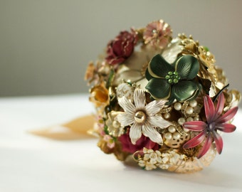 CUSTOM Bridesmaid's Jewelry Vintage Brooch Bouquets - to fit your style, budget & colors, OOAK, vintage bridal bouquet