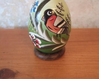 Bullfinch egg made of wood, green, to ask