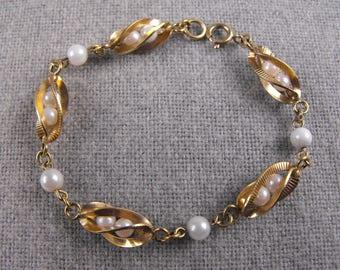 Winard Caged Pearl Bracelet