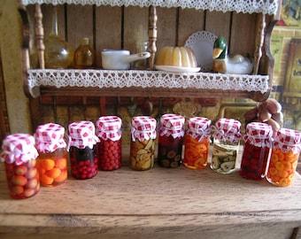 Reallistic Dollhouse miniature  jars of jam 1:12