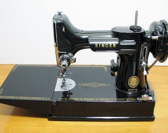 Singer  221 Featherweight Sewing Machine- 1957