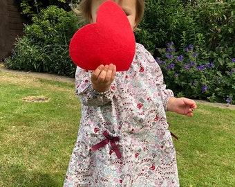 16cm 4 Large Felt Love Heart Photography Props