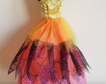Fantasy / Prom / Ball Dress / Gown - Mixed Colours for Barbie or Similar Sized Dolls  (Ref F)
