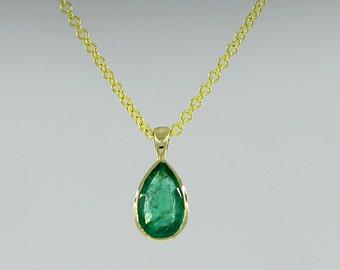 Emerald Necklace. Pear Shape Emerald pendant. Gold necklace. Solid 14k gold necklace.  0.40 Ct. 100% Natural Emerald.