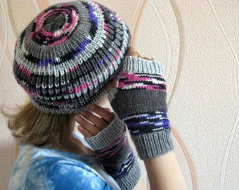 Womans Knit Beret and fingerless gloves set, Knit hat and fingerless mittens set, Multicolor hat and fingerless mittens set,