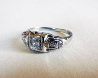 Art Deco five diamond antique engagement ring 18k white gold ring size 5.5 1940s .18 tcw