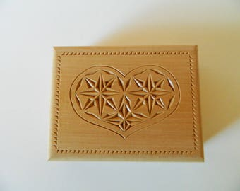 card box two games lime decor heart carved knife