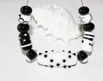 Lampwork beads, glass beads, artist beads, black and white, handmade glass beads, Lampworkperlen black and white, handmade set