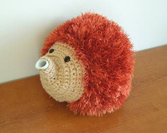 Copper hedgehog tea cosy. Great in your kitchen or dining, for 2 pint (1.2L) teapot, by craftyCornishMaids UK. woodland animal teapot cover