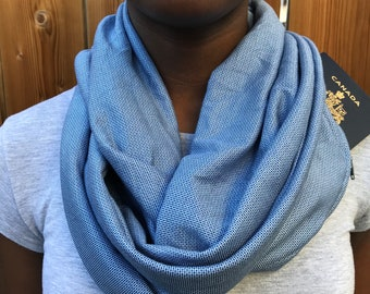 Scarf with Pockets | Scarves for Women | Winter Scarf | Infinity Scarf | Patterned Blue Scarf | Fashion Scarf | Travel Scarf with Pockets
