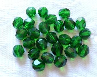 25  Dark Christmas Green Faceted Round Czech Glass Beads  7mm