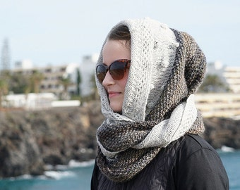 Example Circular scarf with hood