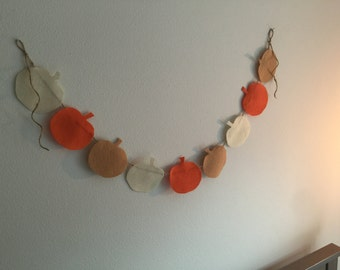 felt fall pumpkins garland / pumpkin garland / fall decor garland / autumn decor garland / felt decor garland / halloween garland