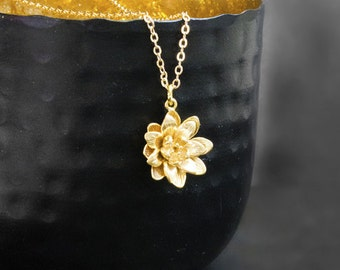 Golden Lily Necklace