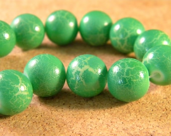 painted green Crackle Glass-- 12 mm PE26 10 beads