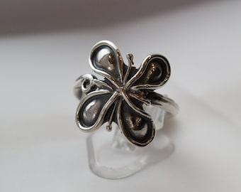 Sterling Silver Ring, Floral Silver Ring, Woodland Silver Ring, Oxidized silver ring, Silver Flower Ring, Botanical Ring, Feminine ring.