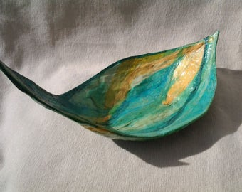 sculptural pâpier machè bowl
