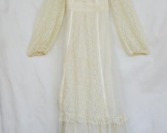 Vintage 70s Lace Wedding Dress/Retro/Boho/Bohemian/Hippie/Shabby chic