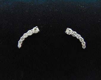 Pr of Womens 14K White Gold Diamond Earrings 2.6g E3524