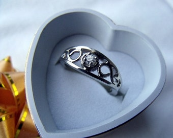 The Crow Ring 14K Gold Medium Size with 10 Point Diamond RF180