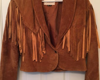 Vintage Georgetown Leather Designs women's/juniors  tan fringed leather short waisted lined padded shoulder jacket, one button front Sz M.