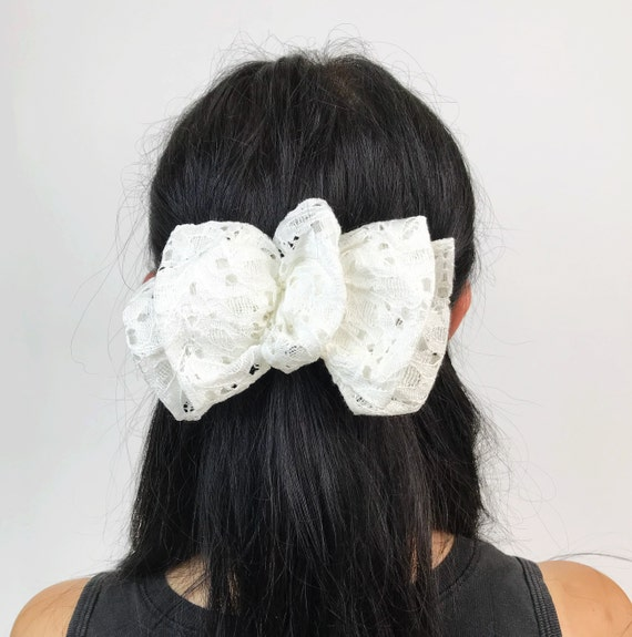 90's White Lace Bow French Clip - Large Angelic White Romantic French Clip Vintage Hair Barrette - VTG Wedding Hair Piece Bow Accessory