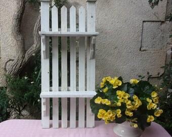Lovely little shelf old garden, shabby decor