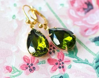 Vintage Rhinestone Earrings Peridot Green Antique Style Jewelry, Vintage Style Jewelry, Swarovski Crystal, Retro Jewelry, Sparkly Earrings