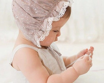 Baby ruffled bonnets/hat