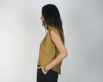 Saffron boxy tank / L - XL / cropped boxy fit button back sleeveless vintage top slits short waisted mustard dark yellow simple minimal