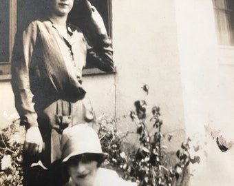 Flapper Friends Cloche Hats Vintage Photo Garden Setting