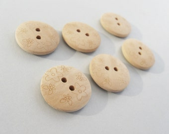 Unfinished Wooden button - Flower Pattern Wood Sewing Buttons Natural Color 20mm - set of 6  (BB116D)