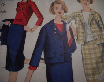 Vintage 1960's Vogue 4026 Suit and Blouse Sewing Pattern, Size 16 Bust 36