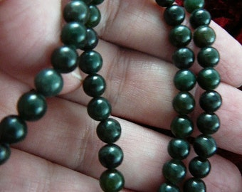 18 inch long round olive Green Jade gemstone beaded Necklace jewelry V308-7