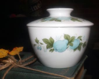 Vintage (c.1970s) Noritake Blue Orchard pattern 6695 covered sugar bowl. Made in Japan.  Blue fruit and berries, greenery.