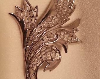 Vintage Silver tone Large Leaf Brooch By JJ