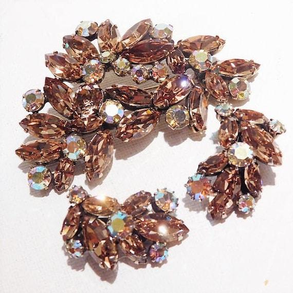 REGENCY Rhinestone Brooch Earrings Set / 1950s Mid Century Rhinestone Jewelry / Demi Parure / Champagne Topaz Glass Brooch and Earrings