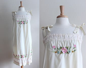 Vintage 1970s Tie Shoulder Floral Embroidered Sack Dress